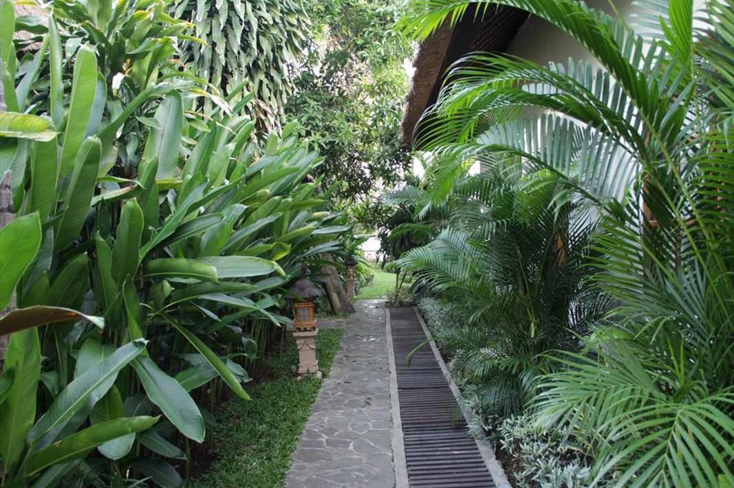 Garden west