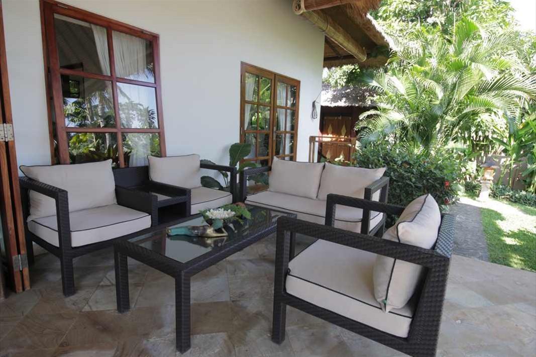 Terrace lounge 1